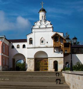 в Введенский Владычний монастырь