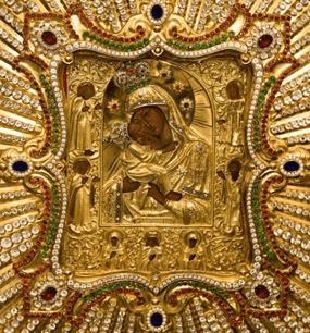 у иконы Богородицы «Почаевская»