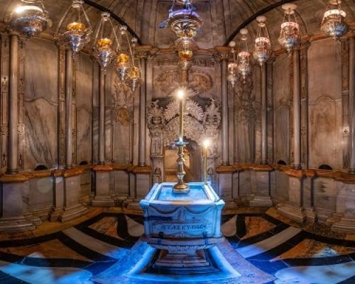 Храм Гроба Господня в Иерусалиме. 3d тур. Кувуклия. Придел Ангела. Дверной камень
